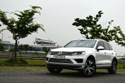 폭스바겐 더 뉴 투아렉 연비 체크 - 풀 사이즈 SUV의 효율성을 확인하다...