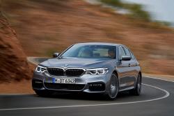 더욱 가볍고 강하게 돌아온 스테디셀러, 2017 BMW 5...