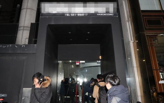 [맥모닝 뉴스]세월호 침몰때 90분 머리손질한 朴, 김기춘 오고 우병우 안오는 청문회 外