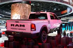 램, 강력한 견인력의 램 2500 헤비 듀티 파워 왜건을 모터쇼에서 전시