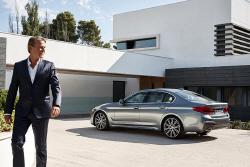 BMW 뉴 5 시리즈 리뷰 - 베스트 셀링 모델의 최신작이 등장