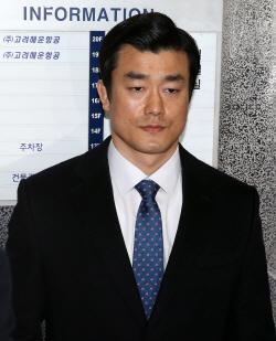 '비선진료 개입' 이영선 靑 행정관 특검 소환…묵묵부답(상보)
