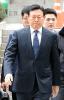 檢, 신동빈 회장 '뇌물죄' 소환 저울질…이재용 사례와 유사점 검토