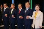 [3차 TV토론]安 '개헌해야'..文·洪 '헌법만 지켜도 충분'