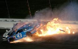 미국 켄자스서 자동차 경주대회 '나스카 컵' 개최