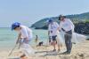 [포토] 해안 정화활동 -위 세이브 투게더