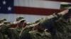 """트럼프 """"트랜스젠더, 군대서 나가라""""‥수천명 미군 쫓겨날 판(종합)"""