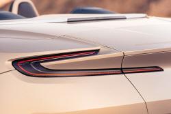 [포토] 섬세한 실루엣이 돋보이는 애스턴 마틴 DB11 볼란테의 리어 콤비네이션 램프