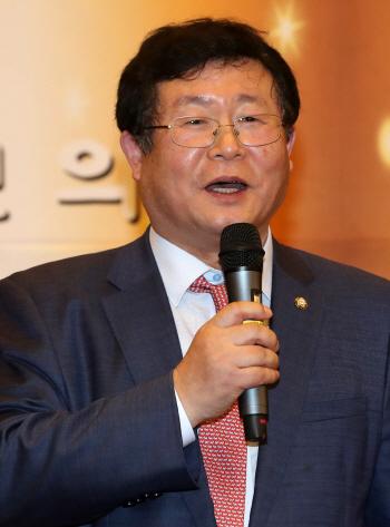[포토]축사하는 설훈 국회 농림축산식품해양수산위원회 위원장