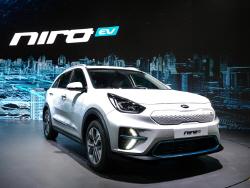 '1회 충전 380km 주행'…가격 공개된 기아차 '니로 EV', 코나보다 비싸다