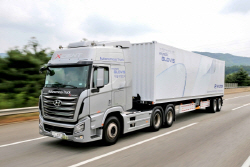 현대차, 국내 최초로 대형트럭 자율주행 성공