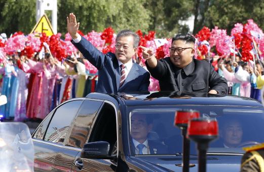 문재인·김정은, '한반도 비핵화' 담대한 여정 첫걸음 뗐다