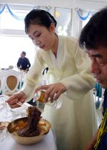 """옥류관 냉면맛 어떻길래…임종석 두그릇, 지코도 """"한그릇 더 고민"""""""