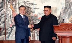 """南, 北 비핵화 견인 진일보…""""길잡이 넘어서는 역할로 나아갈것"""""""