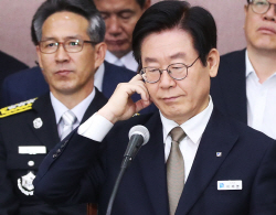 """""""이재명 가족관계 녹취 틀겠다"""" 조원진 발언에 국감 난장판"""