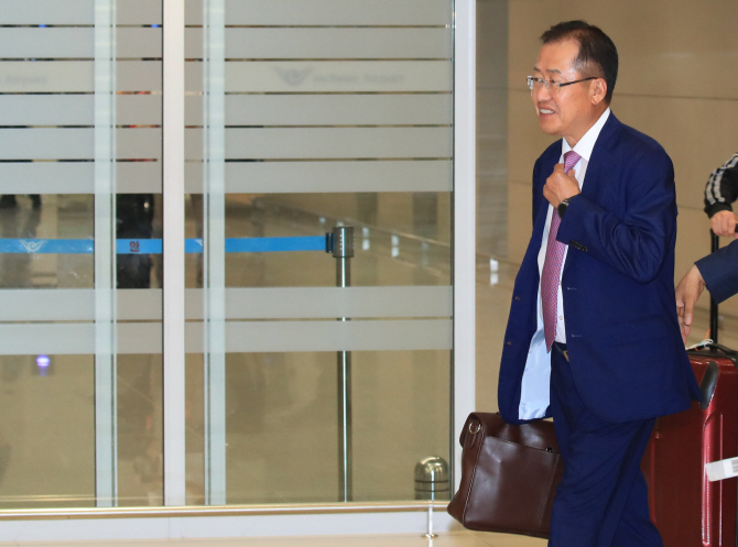 """홍준표, 비난여론에 """"인터넷 찌질이들… 우파 리더 희화화"""""""
