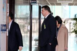 국회 찾은 카허 카젬 한국GM 사장