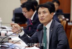 산 문재인 죽은 박정희 이길 수 없다