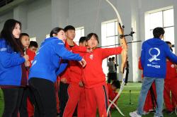 현대모비스, 중국 톈진서 어린이 양궁교실 열어