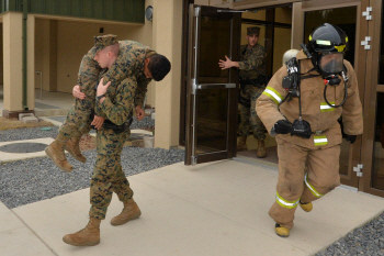 美해병대 무적캠프 합동 소방훈련