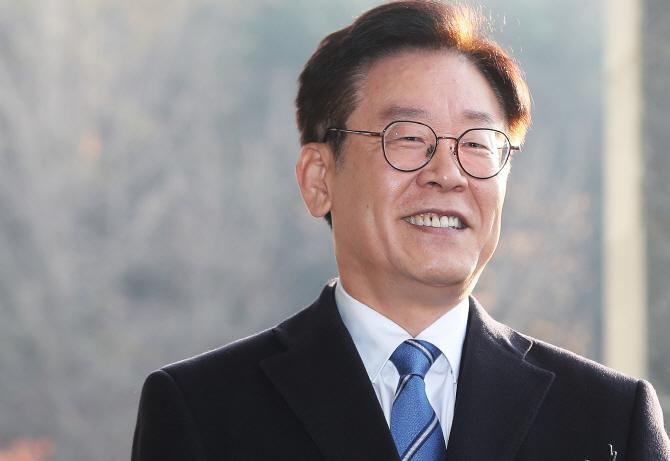 """이재명 """"기득권 부정부패 사건에 관심 가졌으면""""… '혜경궁 김씨' 의혹 부인"""