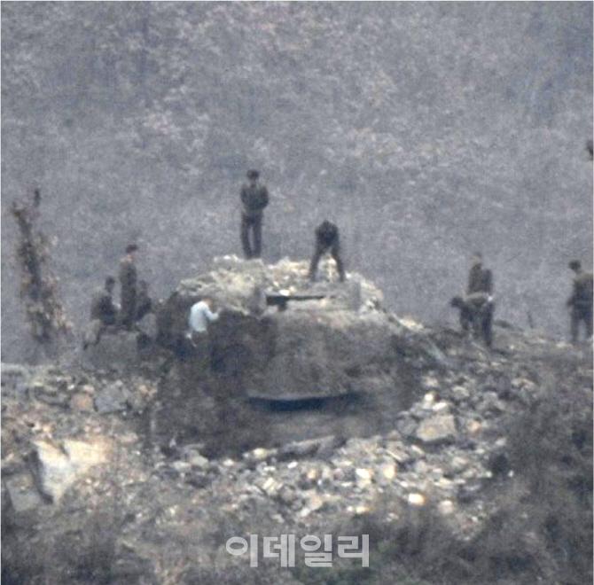 """국방부 """"北, DMZ 내 GP 10개소 폭파방식으로 일괄 파괴"""""""