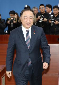 文정부 3년차 경제정책 '청사진' 나온다…최저임금 대책 관건