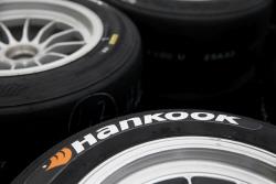 한국타이어, '포뮬러 르노 유로컵' 레이싱 타이어 독점 공급...