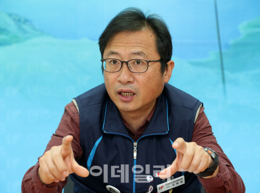 """김명환 위원장 """"민주노총은 대기업 노조 이익 대변…편견 깨겠다"""""""