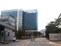 """[단독]""""내가 보기에 미인이라""""…성희롱 피해자 두 번 울린 檢 조정위원"""