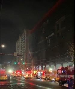 인천순복음교회서 화재, 1명 연기 흡입으로 병원이송