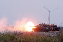[포토] 포 발사하는 M60A3