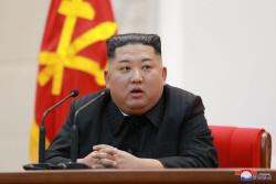 부친 생일 맞은 김정은…금수산궁전 참배·장성급 승진인사