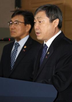 [포토]발언하는 박백범 차관