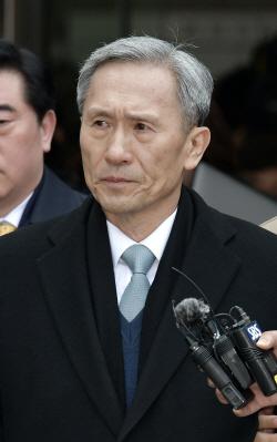 김관진 전 국방부 장관, 2년 6개월 선고