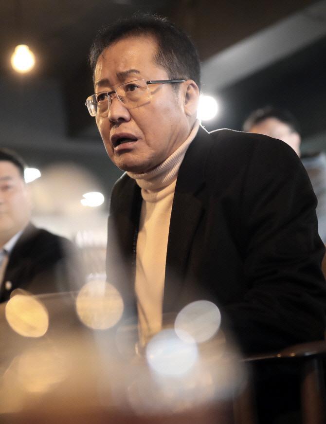 """홍준표 """"한국당이 김학의·장자연 사건과 무슨 관련? 당당하게 대처하라"""""""