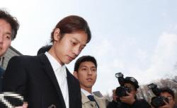 '몰카 혐의' 정준영 구속 후 첫 경찰조사…승리, 몽키뮤지엄 불법 운영 인정