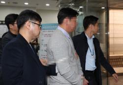 """버닝썬·경찰 유착 '브로커' 전직 경찰관, 검찰 송치…""""승리 개입 여부 확인 중"""""""