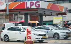LPG차량 규제완화 맞춰… LPG값 인상 늦춘다