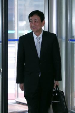 `딱지투자·후원금 논란` 진영 장관 후보자 청문회…현역불패 계속?