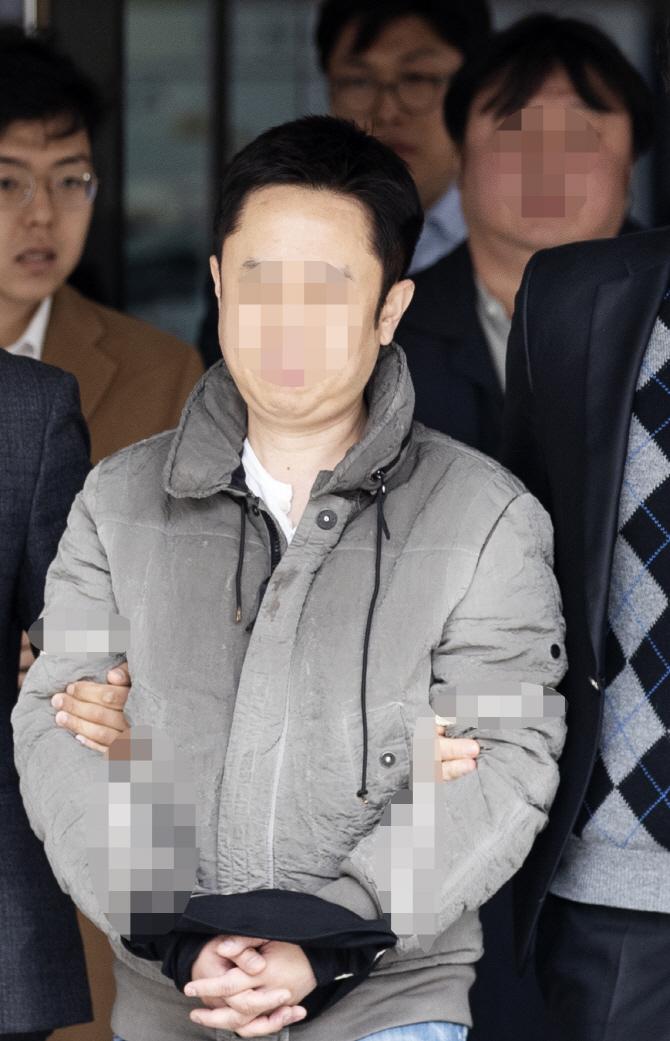 전직 검사장에 세무서장까지… 호화 변호인 고용한 '밤의 황제'
