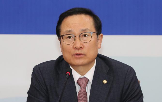 """홍영표 """"한국당, 5.18·세월호 망언 의원 엄중 처벌해야"""""""
