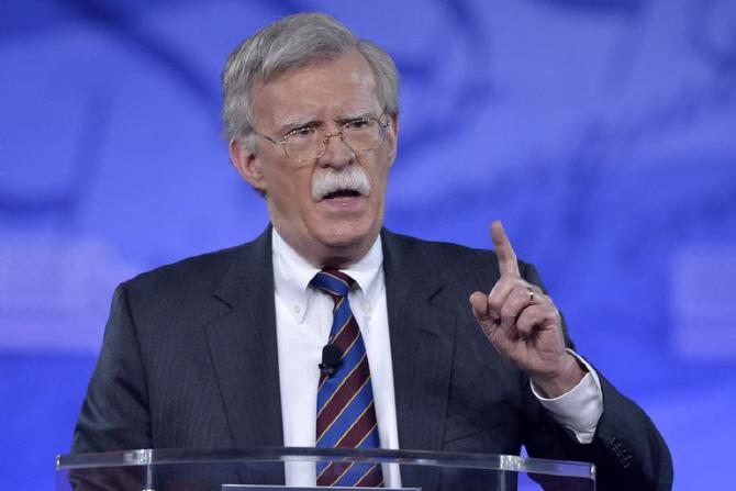 對이란 강경대응 주도 볼턴…'전쟁성애자' Vs '트럼프 나팔수'
