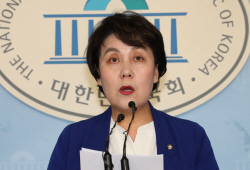 """與 """"한국당, 5.18망언 의원 징계·특별법 개정 나서 달라"""""""