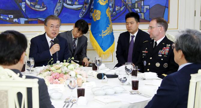 """[국회 말말말]文 """"단도미사일""""에 한국당 """"홍길동 나라"""""""