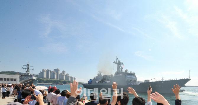 청해부대 10년, 5번의 파병 임무 '최영함'