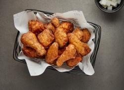 """10명 중 9명 """"치킨, 한달에 한번 이상 먹어…2만원은 비싸요"""""""