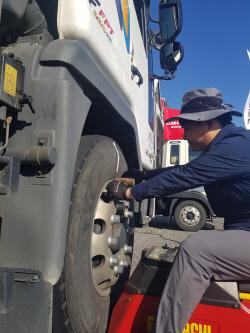 금호타이어, 주요 고속도로 휴게소서 트럭·버스 타이어 무상점검...