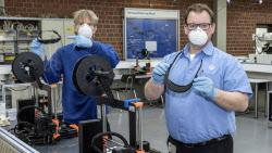 폭스바겐그룹, 3D프린터로 안면보호구 제작해 의료기관 지원...