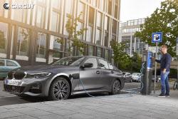 BMW, PHEV 330e 출시..6260만원 부터